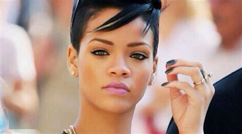 rihanna reportedly pregnant bans weed smoking around her rihanna is pregnant for drake talkparlour