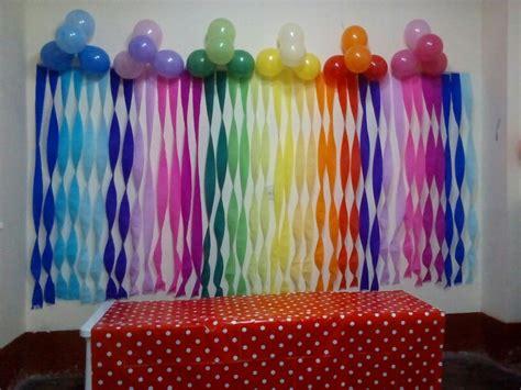 como se hacen las cadenas con papel crepe decoraci 243 n rainbow papel crepe manualidades pinterest