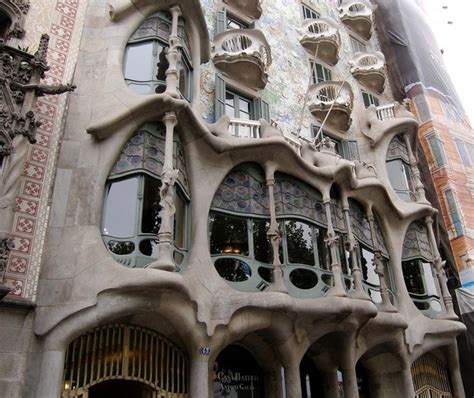 barcelona quora what are the names of these gaudi buildings in barcelona