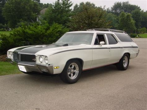 1970 buick sport wagon made to look like a gsx apollo