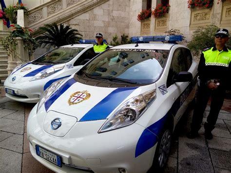 mobilit 224 elettrica 7 nissan leaf per la polizia