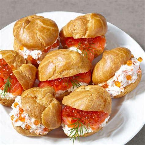 profiteroles salados rellenos receta de profiteroles salados con crema de queso divina