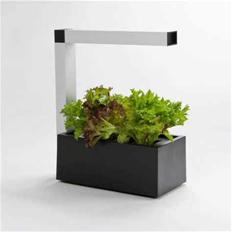 le culture indoor herbie le syst 232 me de culture indoor pour plantes aromatiques venu du froid lapadd
