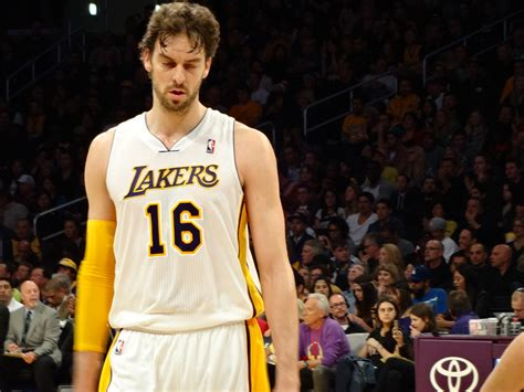 Gasol Mba by File Lakers Vs Nuggets 2013 01 06 22 Jpg Wikimedia Commons