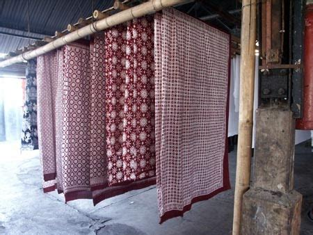 Sacirak Mawar Sabun Cuci Batik tips mencuci dan merawat pakaian batik medogh