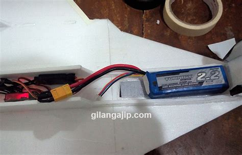 cara membuat pesawat drone mini posisi baterai lipo pada pesawat remote control rc