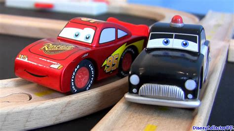 Disney Cars 3 Sheriff disney cars wood collection sheriff s race n track