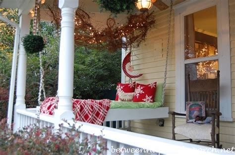 ideas for decorating porches for christmas 25 great porch decorations for the holidays