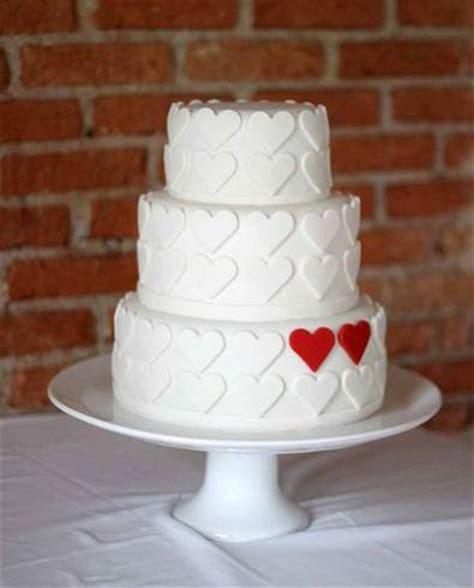 decorar bolo redondo bolo de noivado 50 dicas de modelos