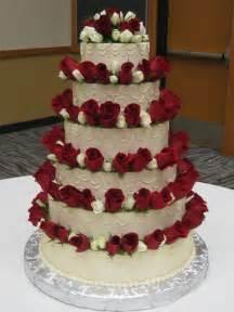 Red and White Rose Cake   Stadium Flowers