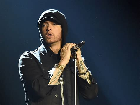 How To Get An Mba From Eminem by 171120 Eminem Getty 800x600 Bombanoise