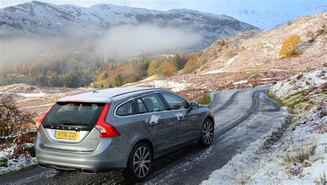 volvo  hybrid  twin engine car review   facts