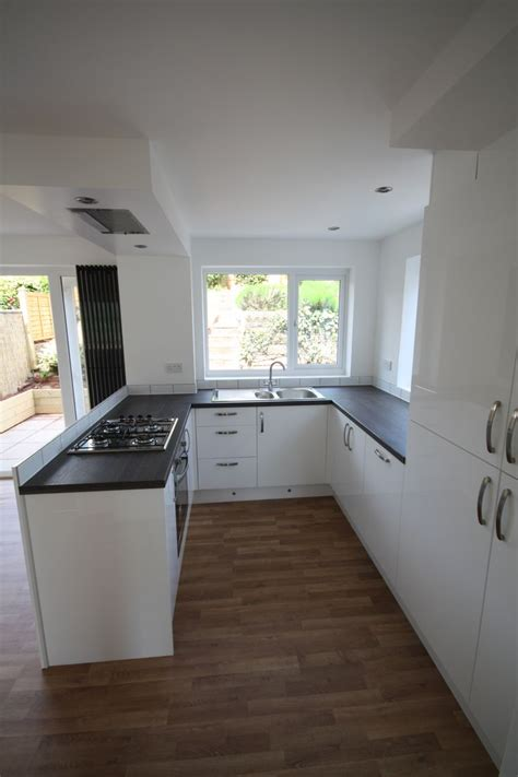 kitchen island extractor fan gloss white kitchen peninsular units with flush ceiling