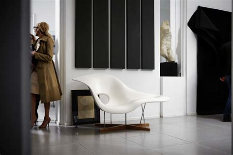 vitra la chaise design charles  ray eames