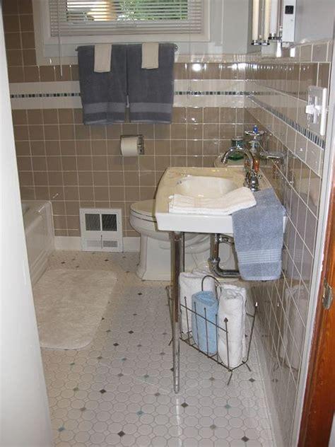 1950 bathroom tile trina un remodels her 1980s bathroom restores its 1950s