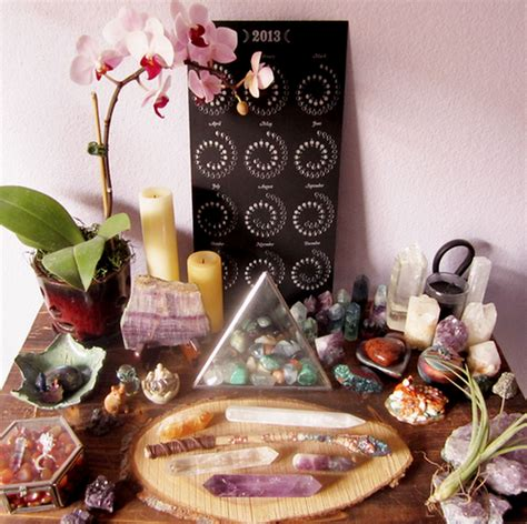 spiritual glamour    crystals  stones