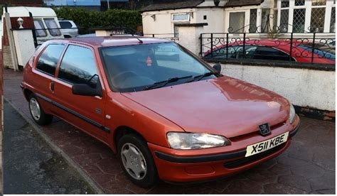 peugeot 106 orange peugeot 106 1 1 independance 111k orange x reg mot