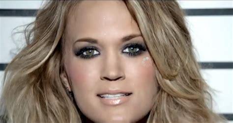 carrie underwood eye color vanity august 2014