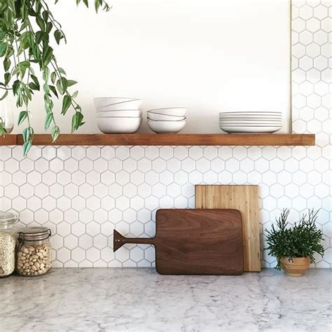 hexagon tile kitchen backsplash i cannot get how gorgeous love lynsey s craftmanship