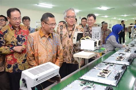 Tv Sharp Karawang kemenperin menteri perindustrian meresmikan pabrik tv led
