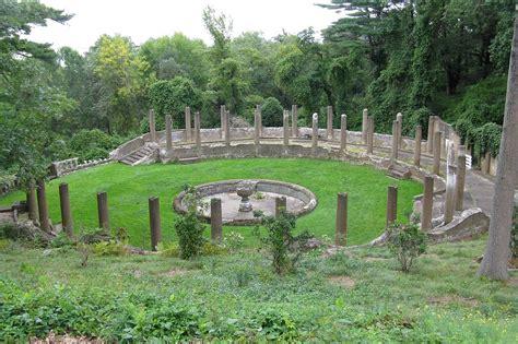 file rose garden castle hill ipswich ma jpg wikipedia