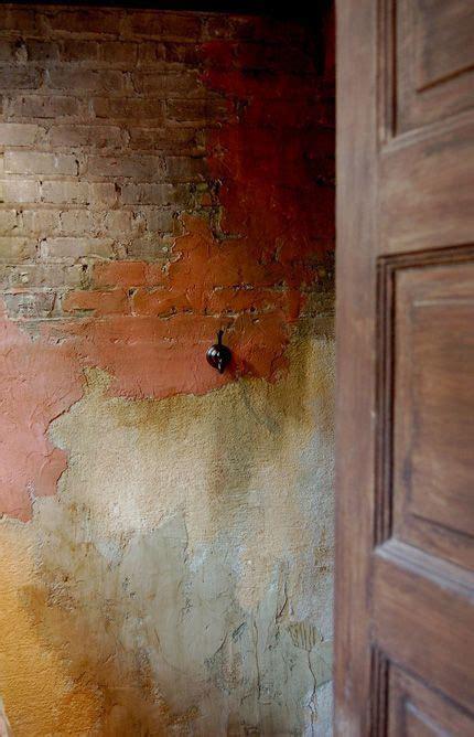 walls        wall distressed