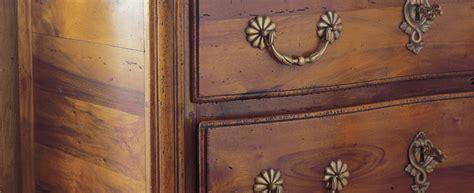 restaurer une commode en bois r 233 nover un meuble en bois comment restaurer meuble en