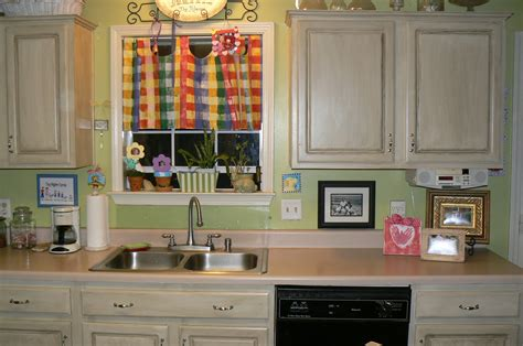 kitchen cabinet makeover paint kitchen cabinets for getting the new look of the kitchen cabinet