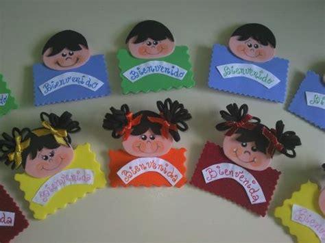 nuevos distintivos para el primer dia de clase o para cualquier distintivos de foami escolares imagui proyectos que