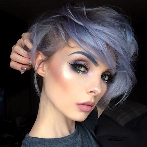 Eyeliner Silver Pixy beautsoup grey blue lilac lavender silver hair color brows and makeup
