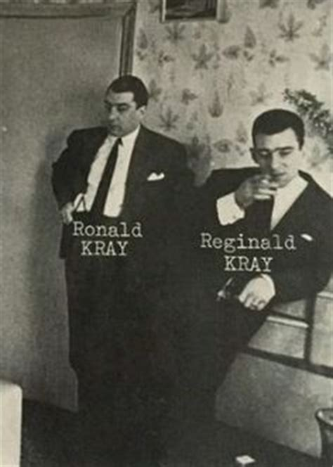 ronnie kray at mothers funeral the kray brothers