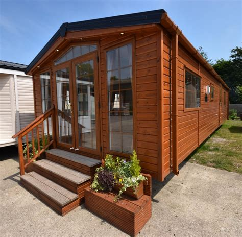 mobile home holidays uk the lodge mobile home annexe solution 40x13