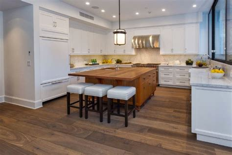 Jenner House Kitchen by Kendall Jenner Buys Emily Blunt S Beautiful La House