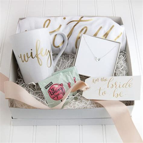 Best Gift Card For Wedding Present - 25 best ideas about bride gifts on pinterest gifts for
