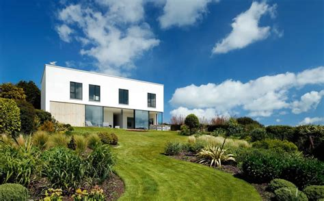 flat roof house insurance surveying a flat roof homebuilding renovating