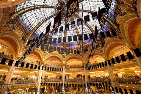 paris 10 must sees paris tourist office top ten things to do in paris your guide to visiting the