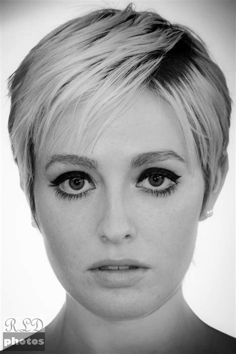 short hairstyles for women aeg 3o round face 17 how to style outgrown pixie haircut pinterest the