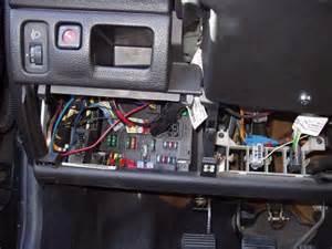 Peugeot 406 Bsi Sch 233 Ma Des Fusible Habitacle Est Compartiment Moteur Pour