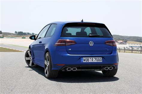 2014 vw golf r unveiled 300 ps 40 mpg