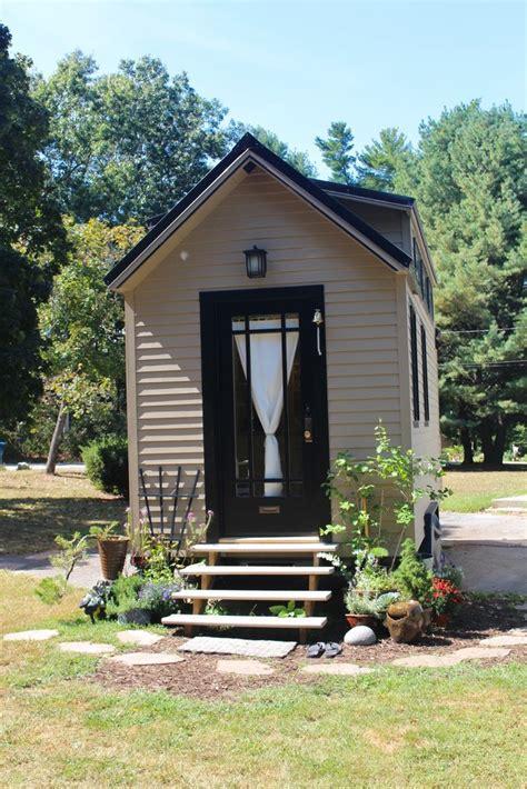 tiny house new england 160 sqft quot tiny hall house quot diy tiny house in new england