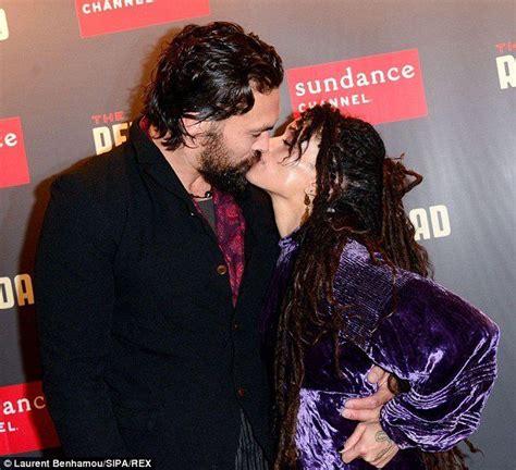 lisa bonet and husband jason momoa at premiere of lisa bonet and jason momoa kiss at the paris premiere of