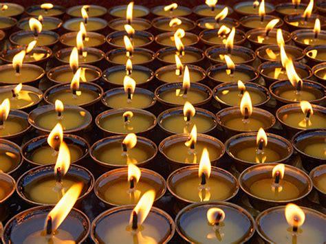 when to light yahrzeit candle 2017 lighting yahrzeit candle lighting ideas