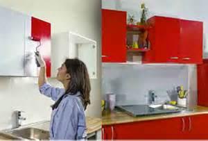 Exceptional Changer Les Facades D Une Cuisine #2: Repeindre-meubles-cuisine-en-rouge-avec-peinture-Resinence-chez-castorama5.jpg