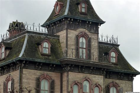 buy haunted house haunted houses realtor com s haunted real estate survey says 32 percent of homebuyers