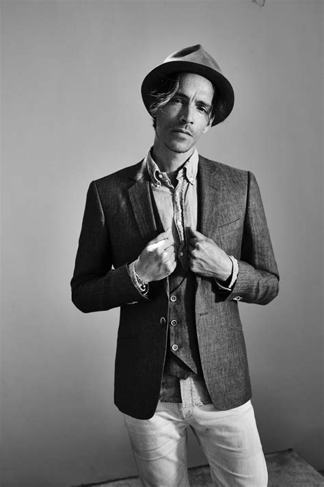 Brandon Boyd Discusses Art, Cats and Public Speaking
