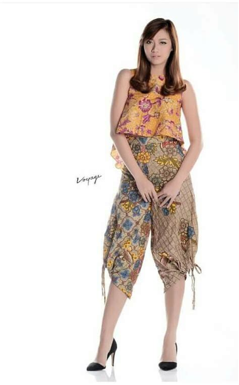 17 best images about indonesia batik and ikat fashion on fashion weeks circle