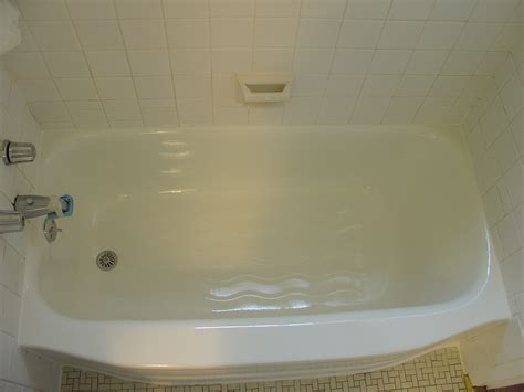Chipped Bathtub Repair by Reglazing Sles Bathtub Reglazing Tub Refinishing