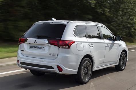 Mitsubishi Outlander Phev Dimensions Mitsubishi Outlander Phev Specs 2016 2017 Autoevolution