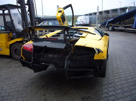 lamborghini crash ultra rare lamborghini murcielago lp670 4 sv suffers crash