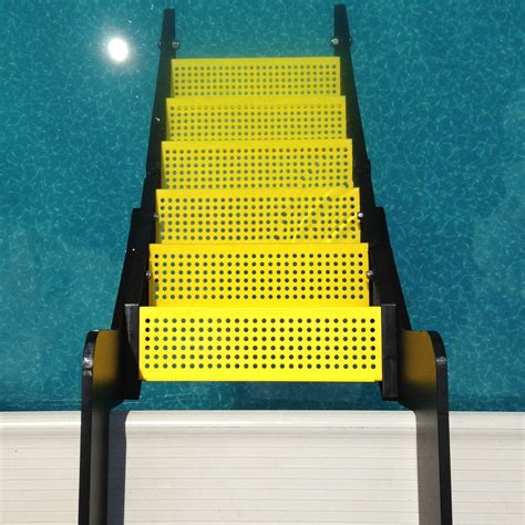 wag boarding steps model xpm    ground swimming